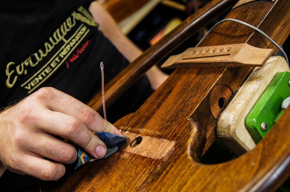 Réparation d'instruments Annonay Guitare